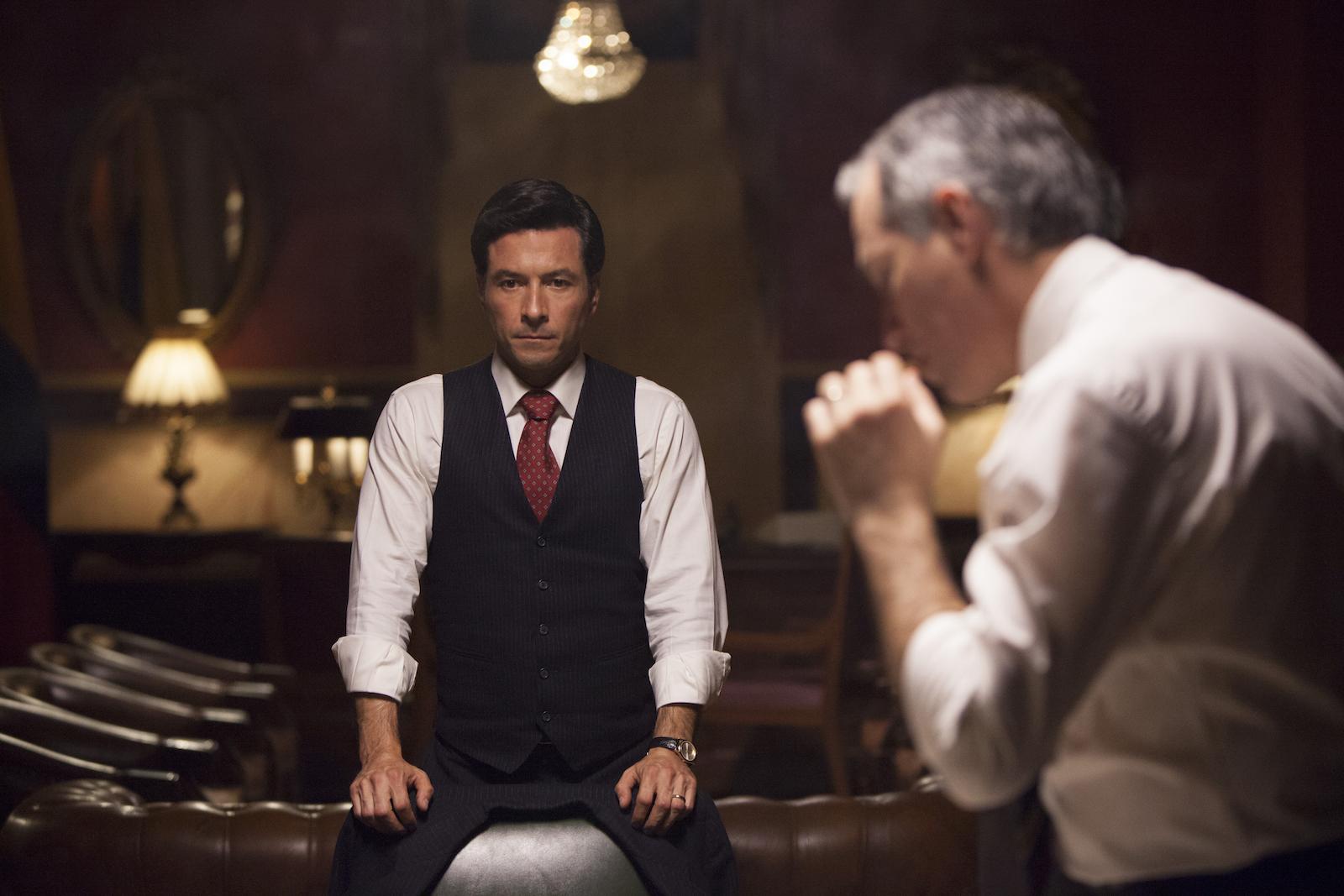 Narcos: un'immagine del primo episodio della seconda stagione