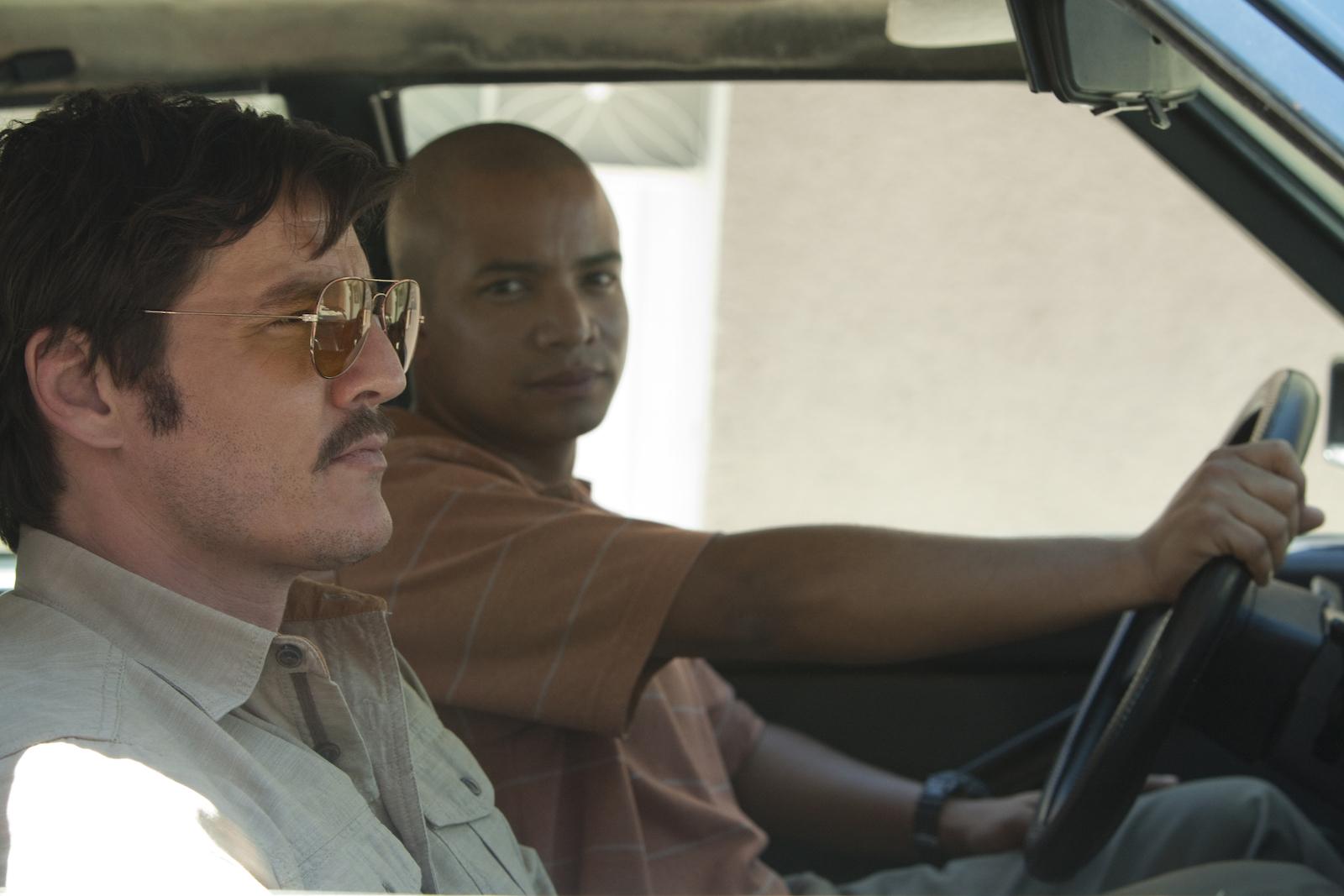 Narcos: l'attore Pedro Pascal in una foto della stagione 2