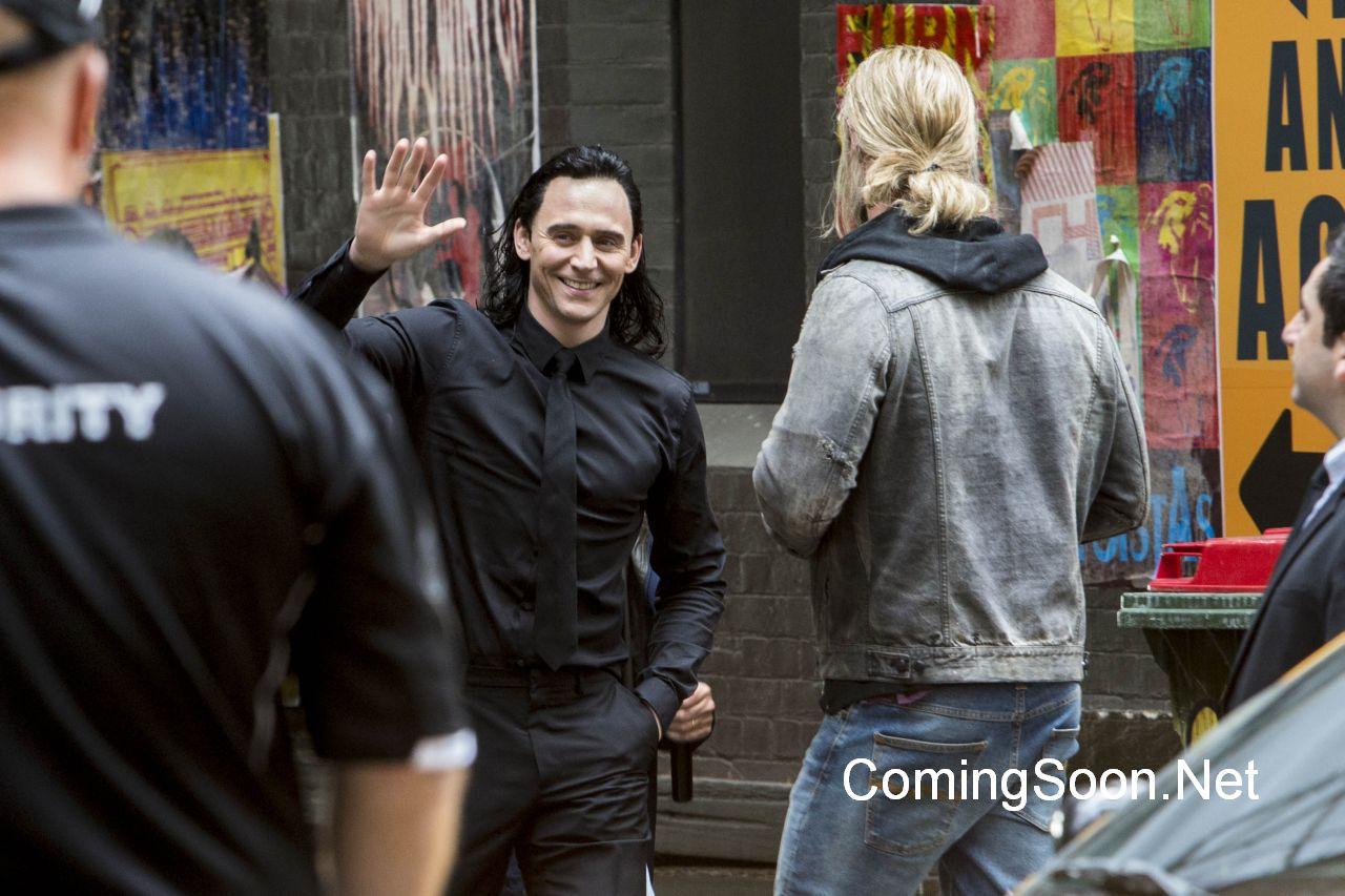 Thor: Ragnarok - Tom Hiddleston e Chris Hemsworth sul set