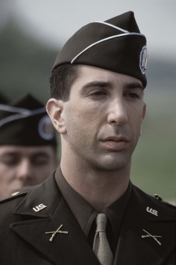 Band of Brothers: un'immagine di David Schwimmer