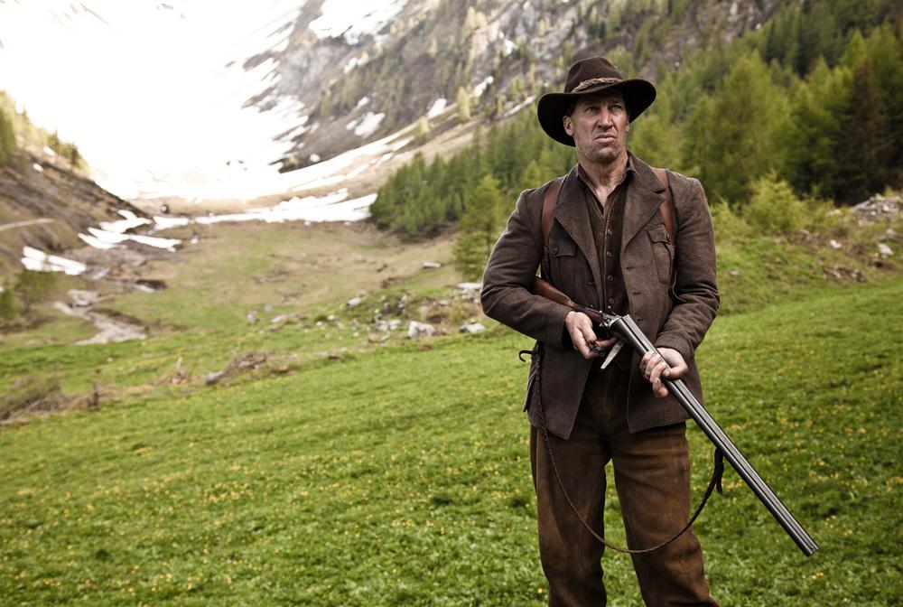 Abel - Il figlio del vento: Tobias Moretti in una scena del film