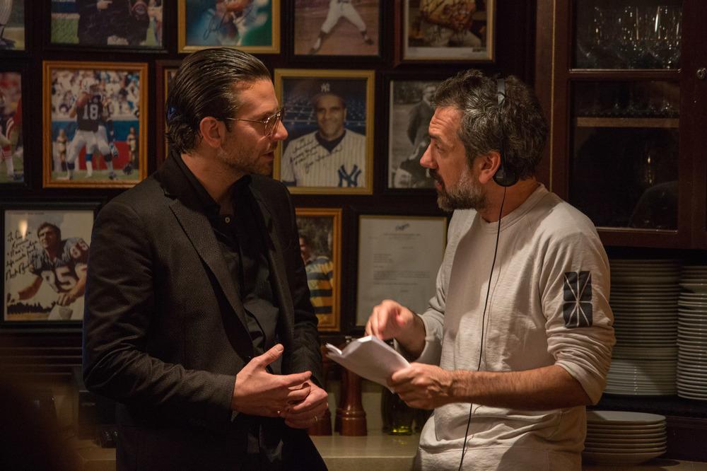 Trafficanti: il regista Todd Phillips e Bradley Cooper sul set del film