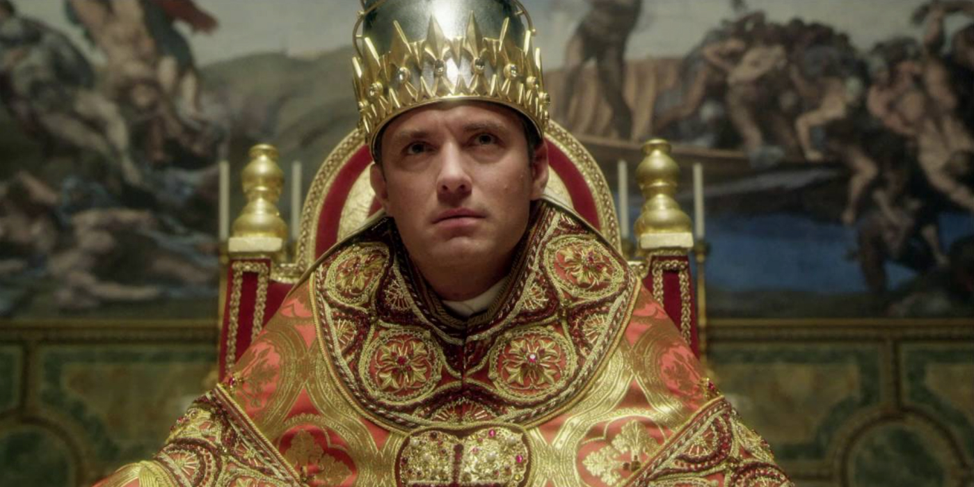 The Young Pope: Jude Law in una scena della serie tv