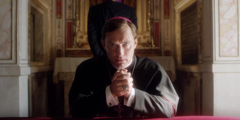 The Young Pope: Jude Law in un momento della serie tv