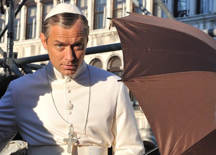 The Young Pope: Jude Law sul set della serie tv
