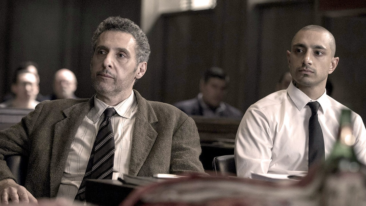 The Night Of: John Turturro e Riz Ahmed in una scena del finale di stagione