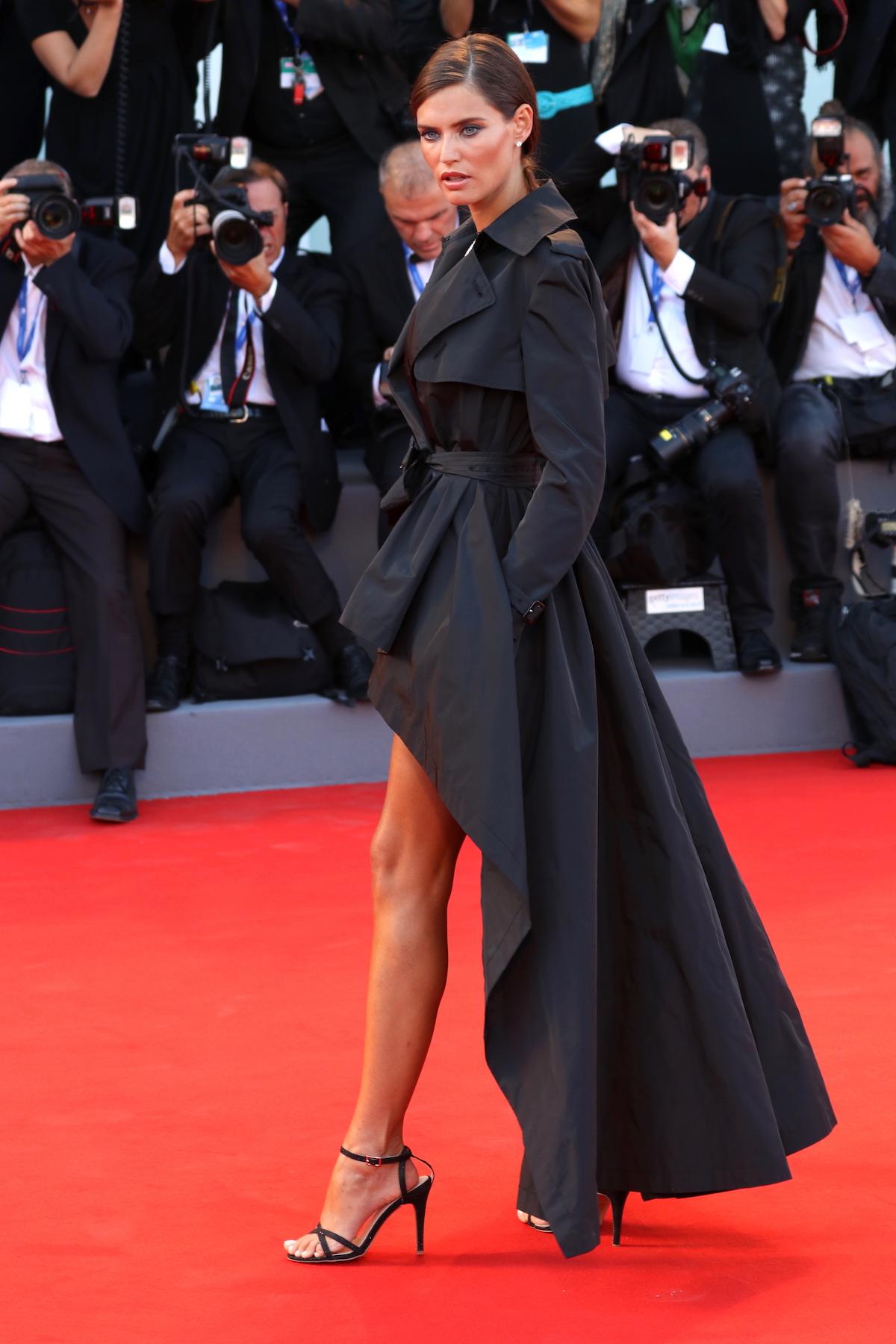 Venezia 2016: Bianca Balti posa sul red carpet
