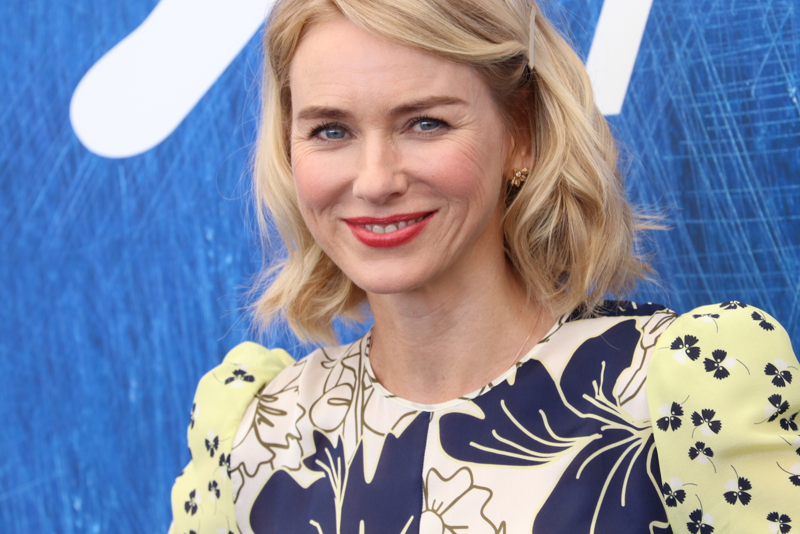 Venezia 2016: un primo piano di Naomi Watts al photocall di The Bleeder