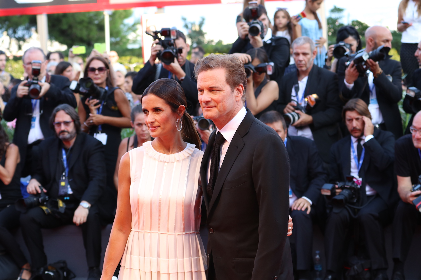 Venezia 2016: uno scatto di Colin Firth sul red carpet di Nocturnal Animals