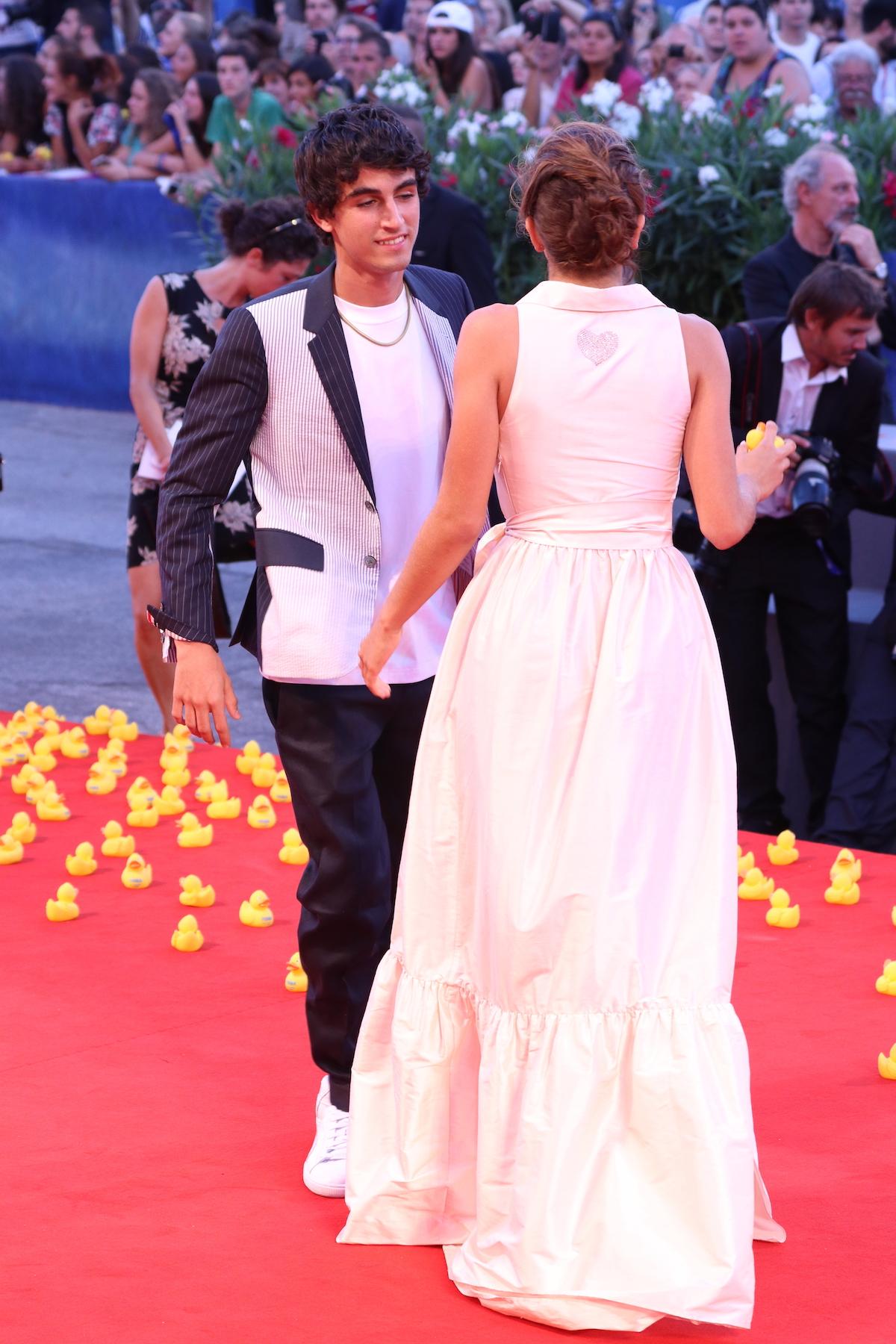 Venezia 2016: Blu Yoshimi sul red carpet di Piuma