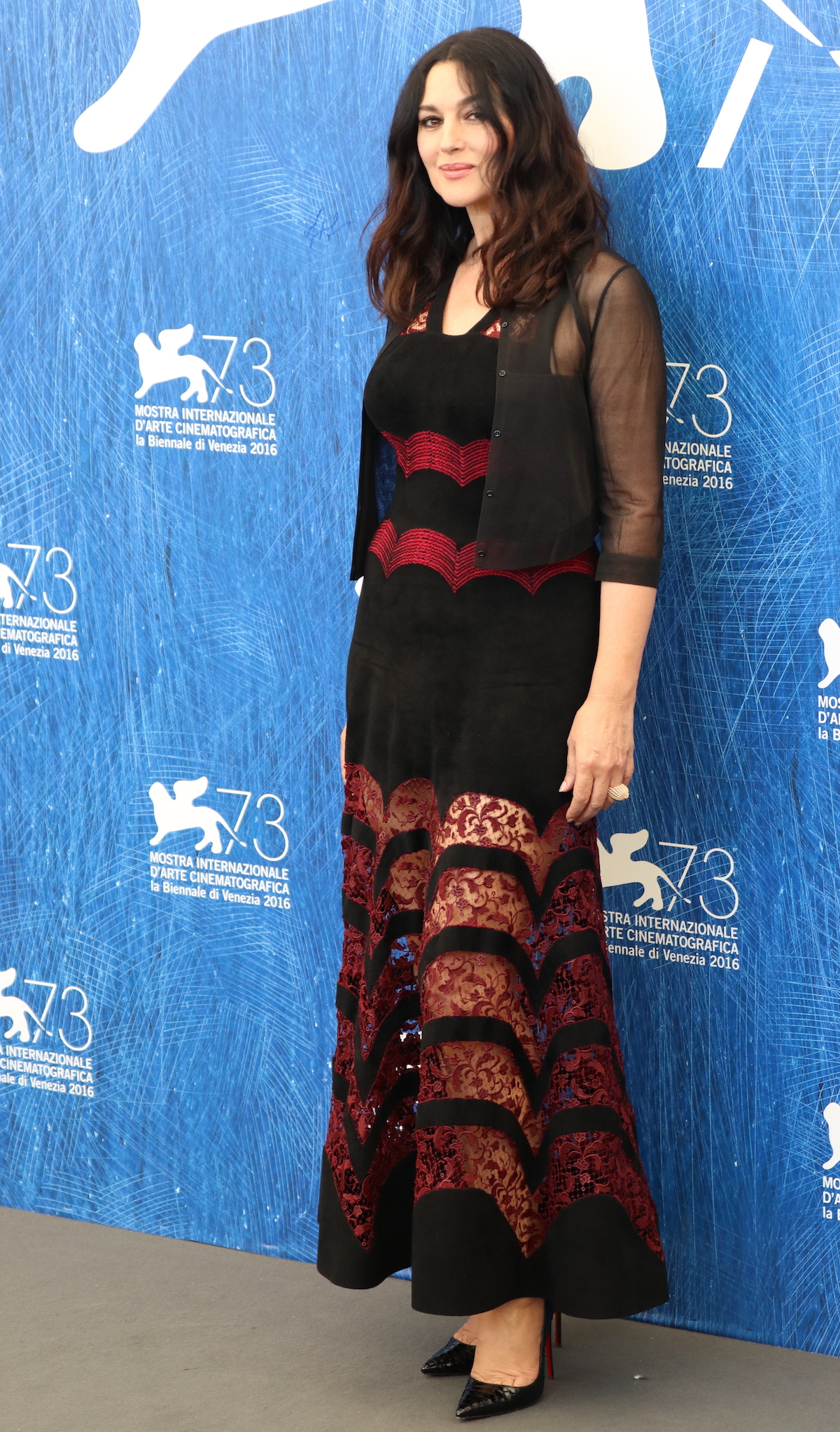 Venezia 2016: Monica Belluci al photocall di On the Milky Road