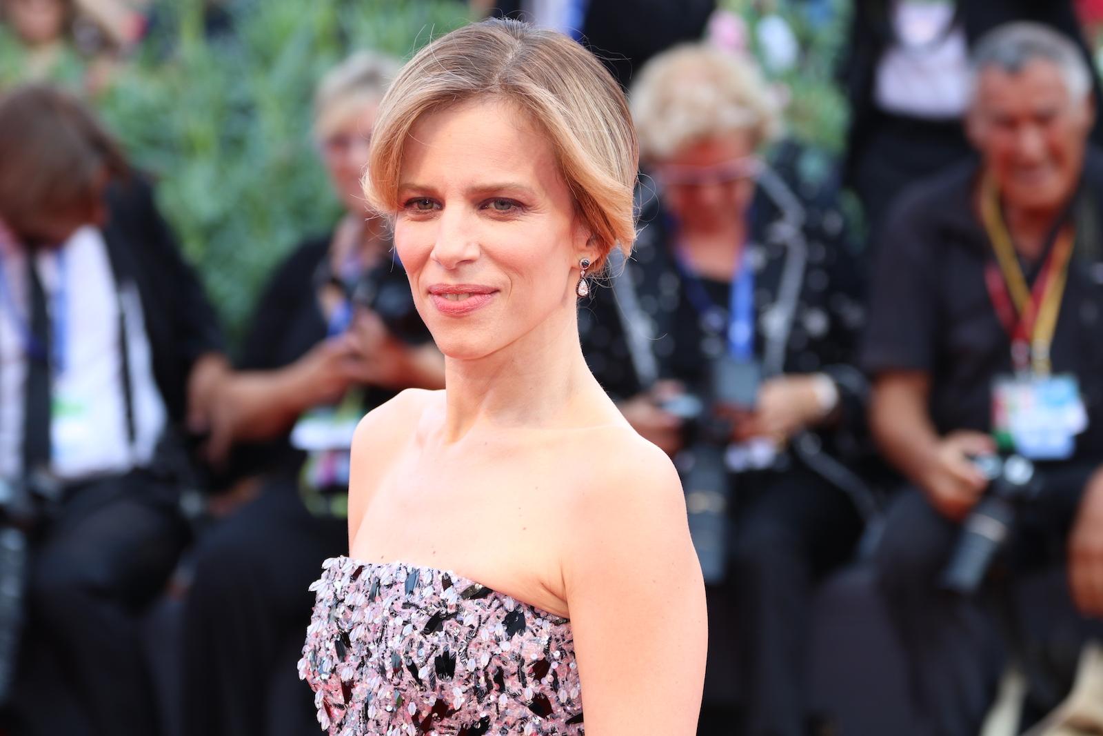 Venezia 2016: Sonia Bergamasco sul red carpet della cerimonia di premiazione