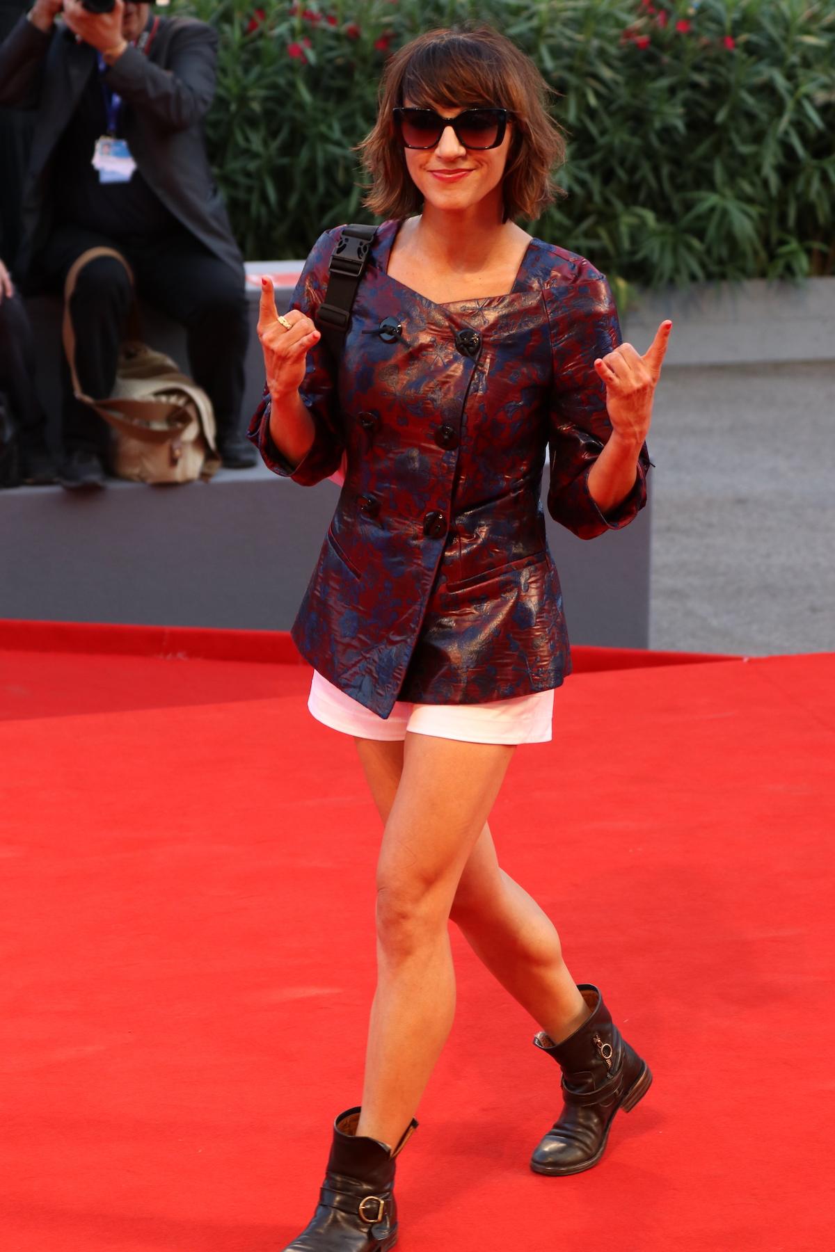 Venezia 2016: Ana Lily Amirpour sul red carpet della cerimonia di premiazione