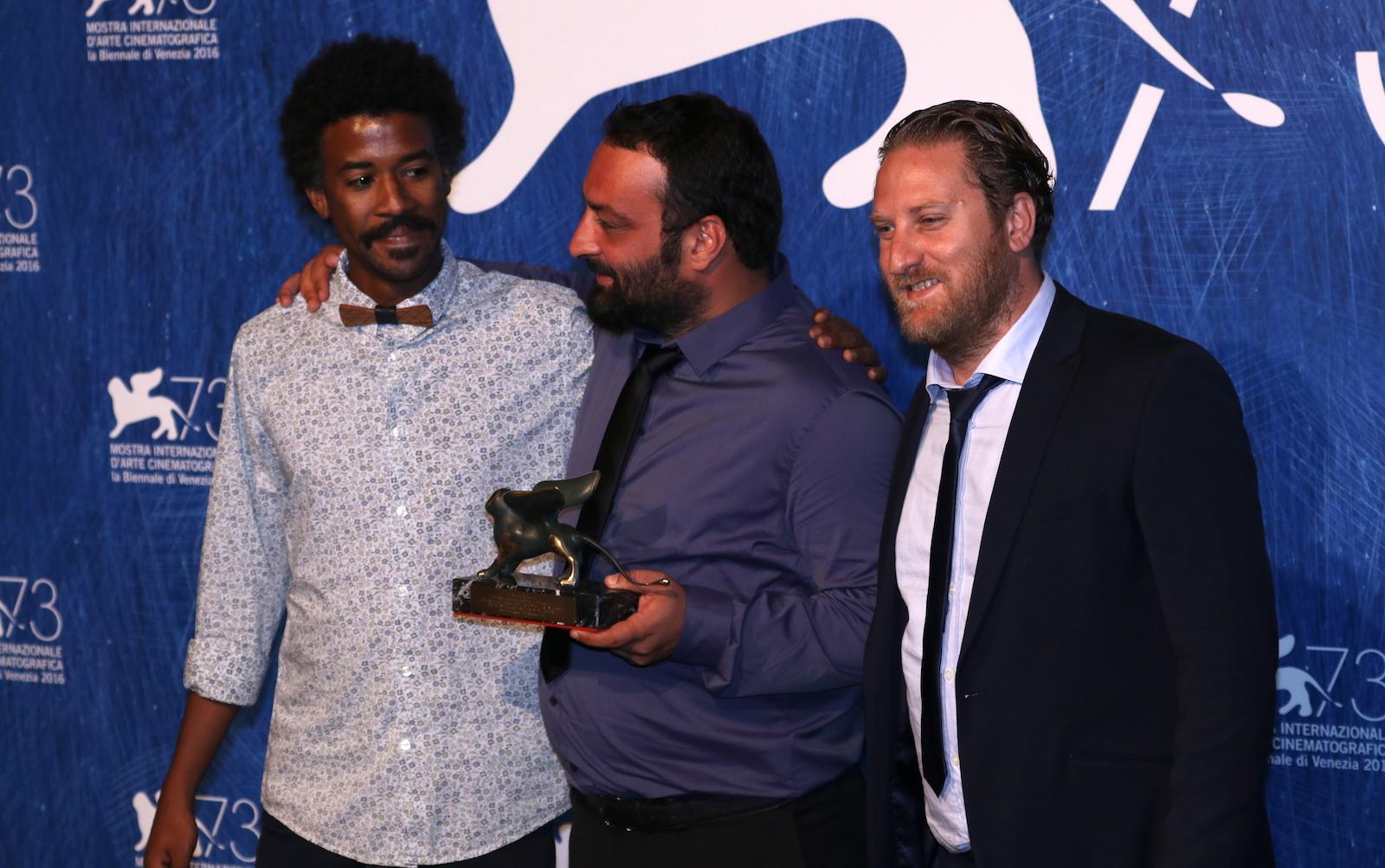 Venezia 2016: Ala Eddine Slim e il cast di The Last of Us al photocall dei premiati