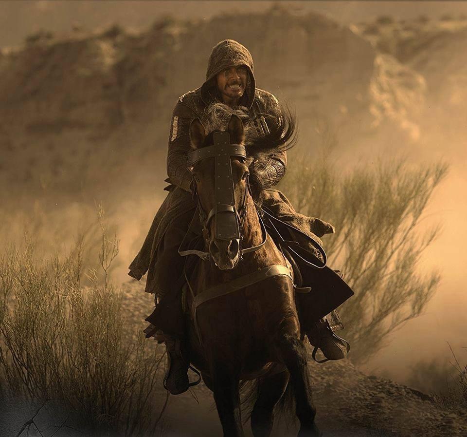 Assassin's Creed: Michael Fassbender a cavallo