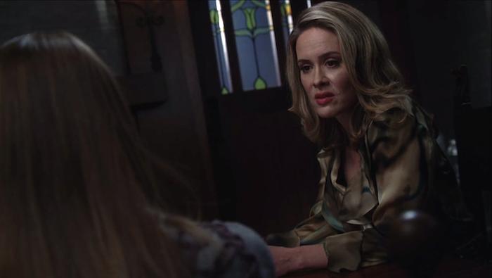 American Horror Story: Sarah Paulson in un'immagine della sesta stagione