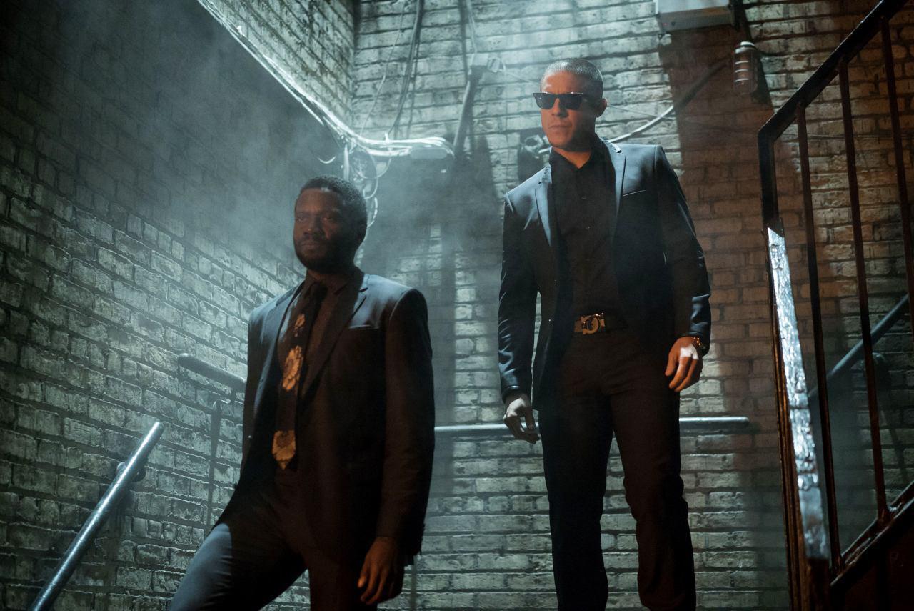 Luke Cage: Theo Rossi in una scena