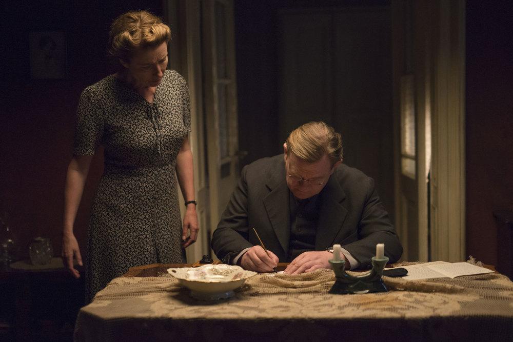 Lettere da Berlino: Emma Thompson e Brendan Gleeson in un momento del film