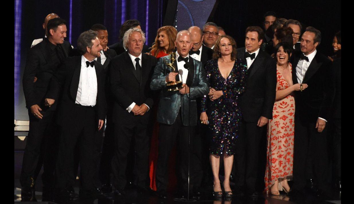 Emmy 2016: Ryan Murphy e il cast di American Crime Story in trionfo