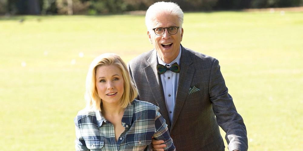 The Good Place: Kristen Bell e Ted Danson in una foto della serie