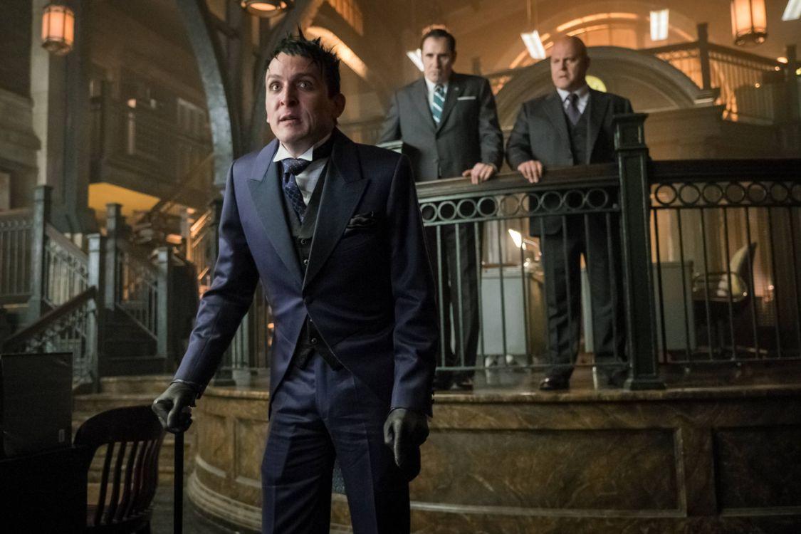 Gotham: Robin Lord Taylor interpreta il Pinguino in Better To Reign in Hell