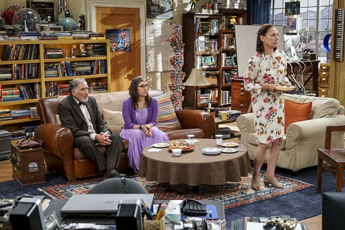 The Big Bang Theory: Judd Hirsch, Mayim Bialik e Laurie Metcalf in The Conjugal Conjecture