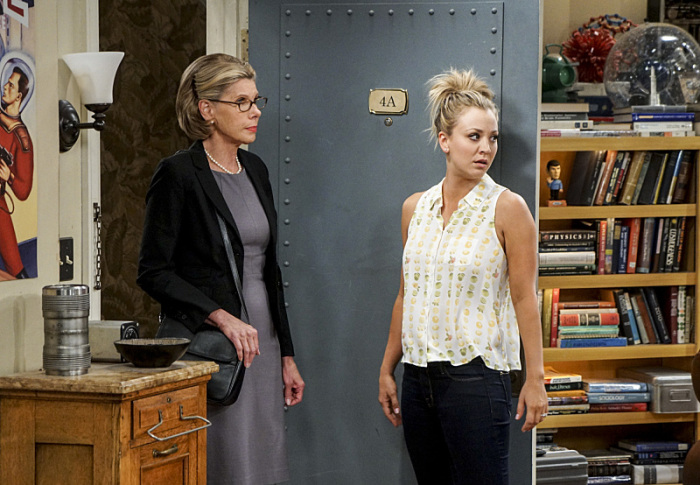 The Big Bang Theory: Christine Baranski e Kaley Cuoco in The Conjugal Conjecture