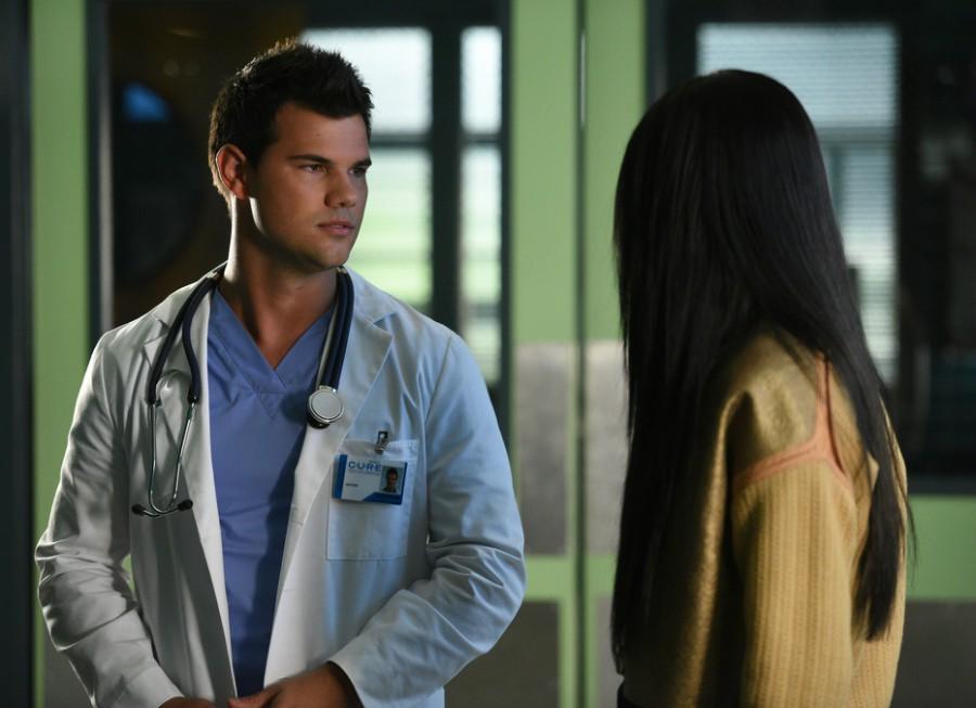Scream Queens: l'attore Taylor Lautner in Scream Again