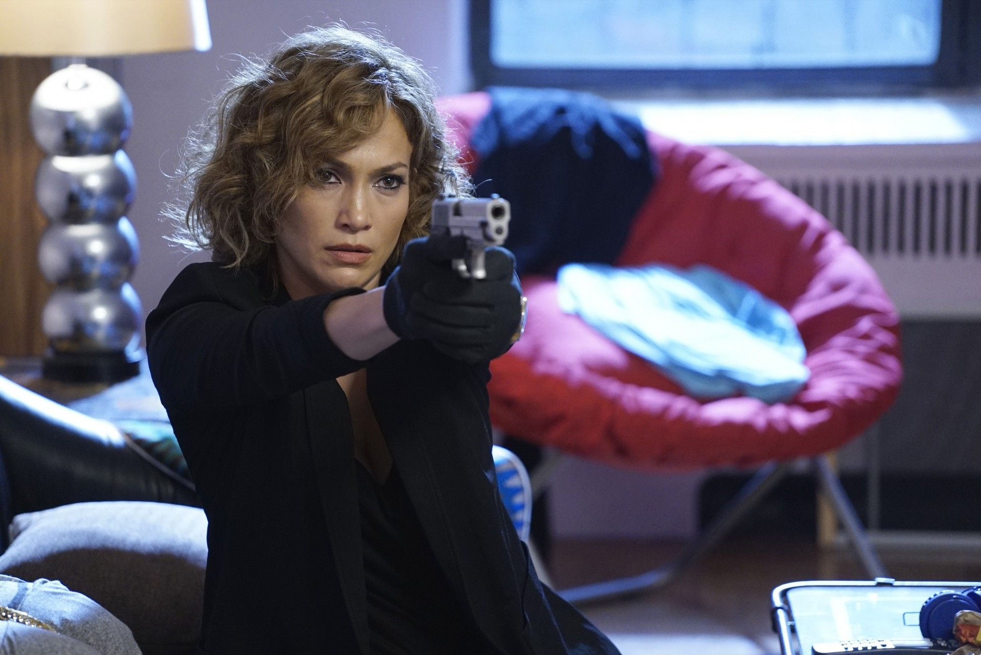 Shades of Blue: Jennifer Lopez interpreta Harlee Santos