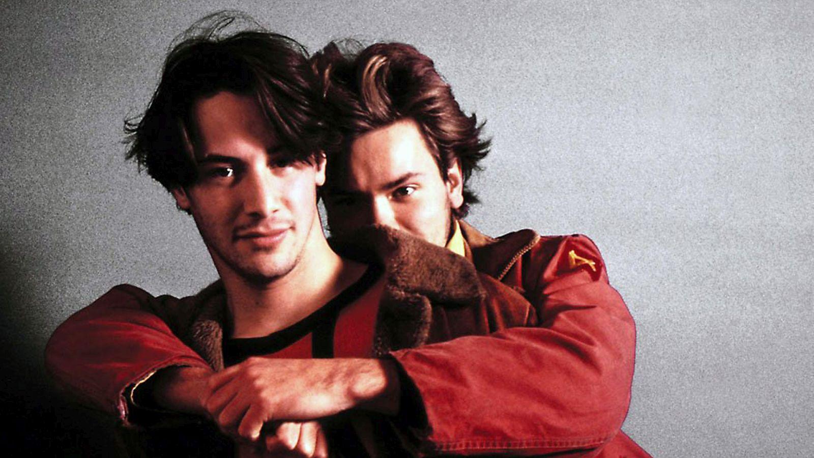 Belli e dannati: River Phoenix e Keanu Reeves in un'immagine promozionale del film