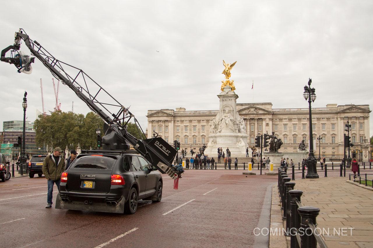 Transformers: The Last Knight - Una foto dal set di Buckingham Palace
