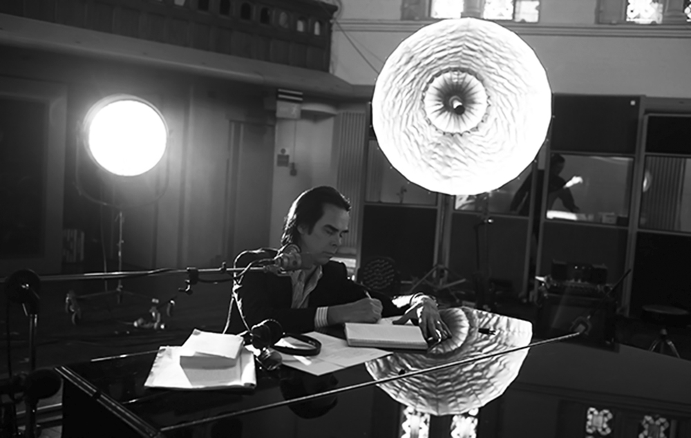 Nick Cave & The Bad Seeds - One More Time With Feeling: Nick Cave in un momento del documentario