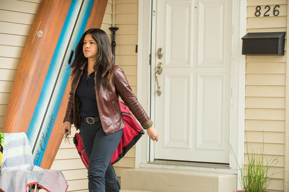 Deepwater Horizon: Gina Rodriguez in una scena del film