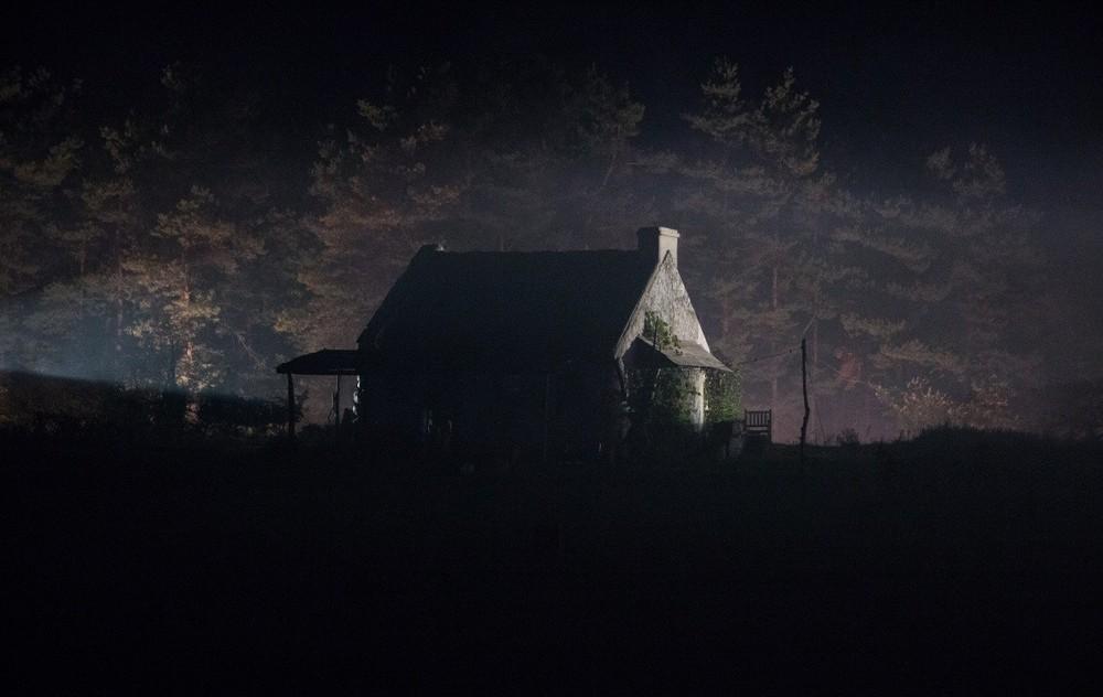 Pay the Ghost: una scena notturna del film