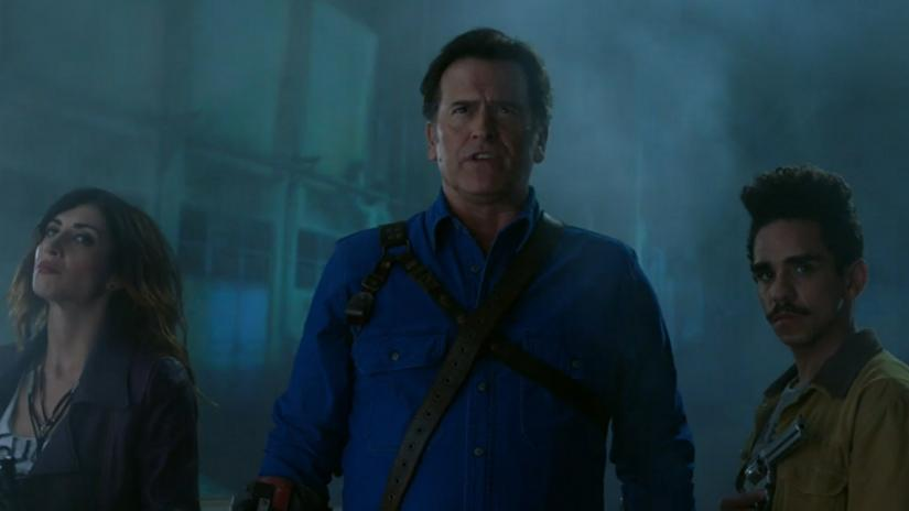 Ash vs Evil Dead: Dana DeLorenzo, Bruce Campbell e Ray Santiago in Home