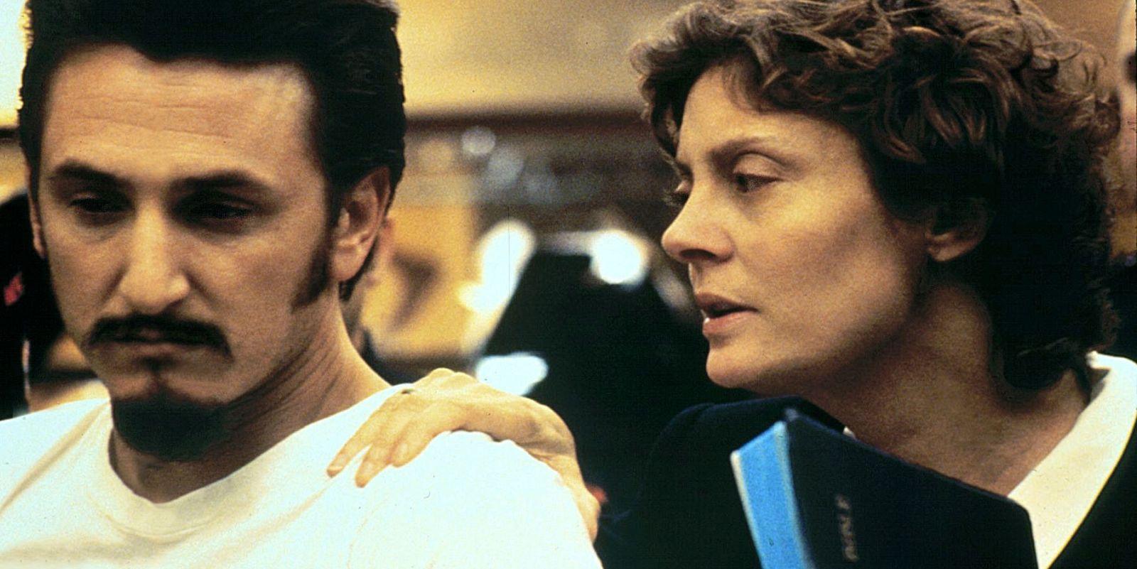 Dead Man Walking: Susan Sarandon e Sean Penn in una scena del film