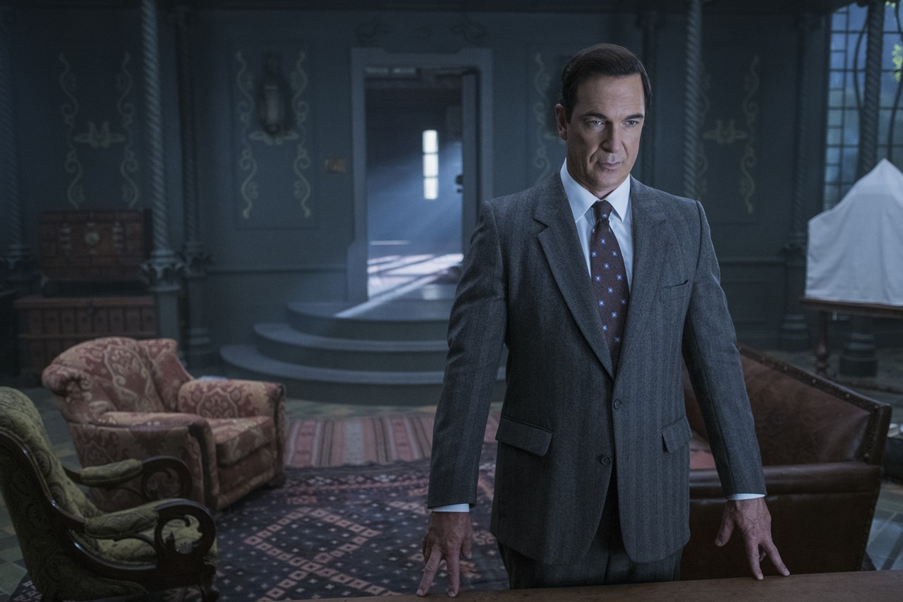 Lemony Snicket's A Series of Unfortunate Events: Patrick Warburton in una foto della serie