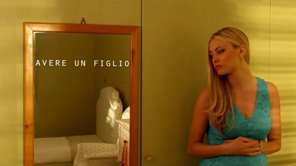 Attesa e cambiamenti: Martina Stella in una scena del film