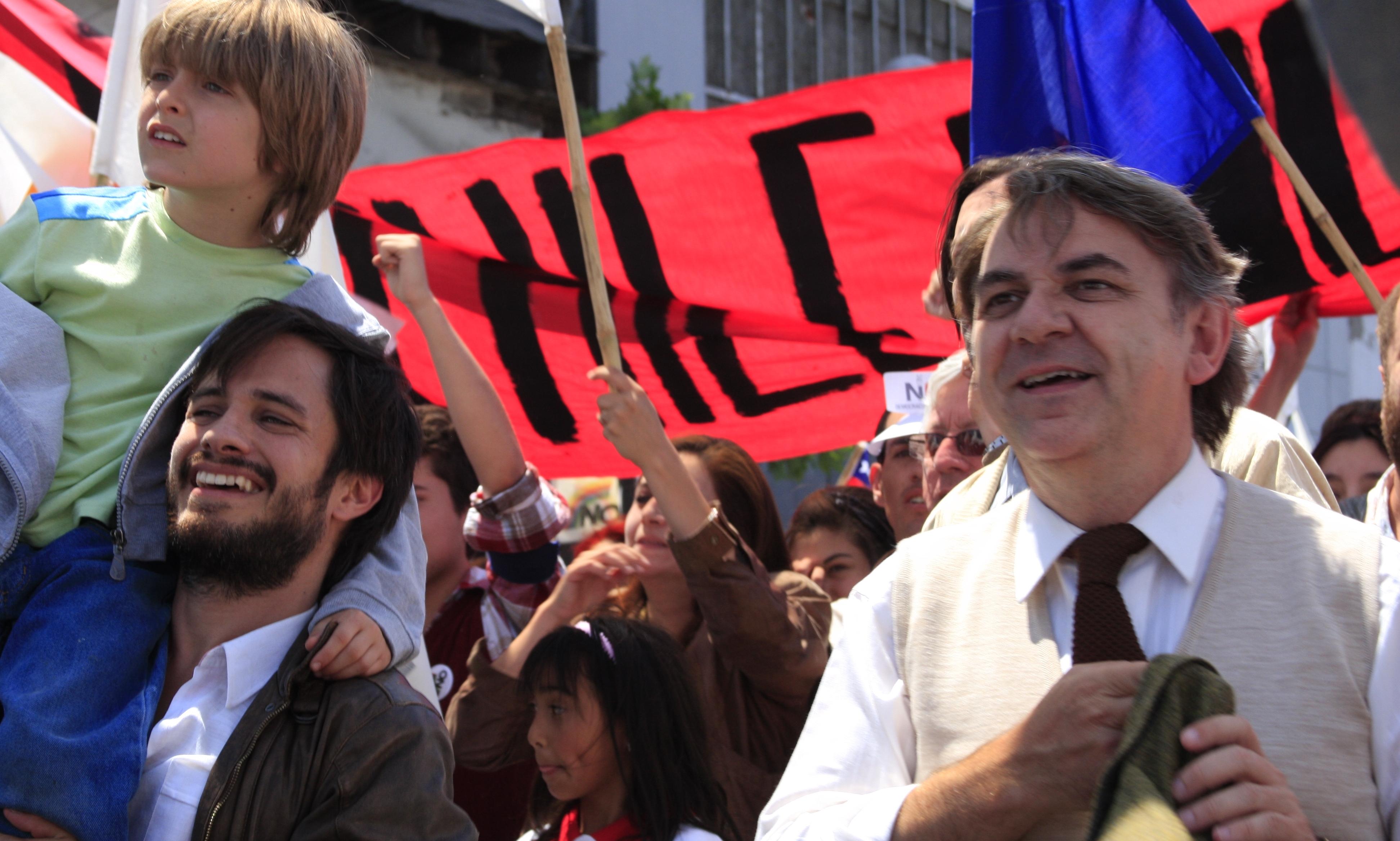 No - I giorni dell'arcobaleno, una scena con Gael Garcia Bernal