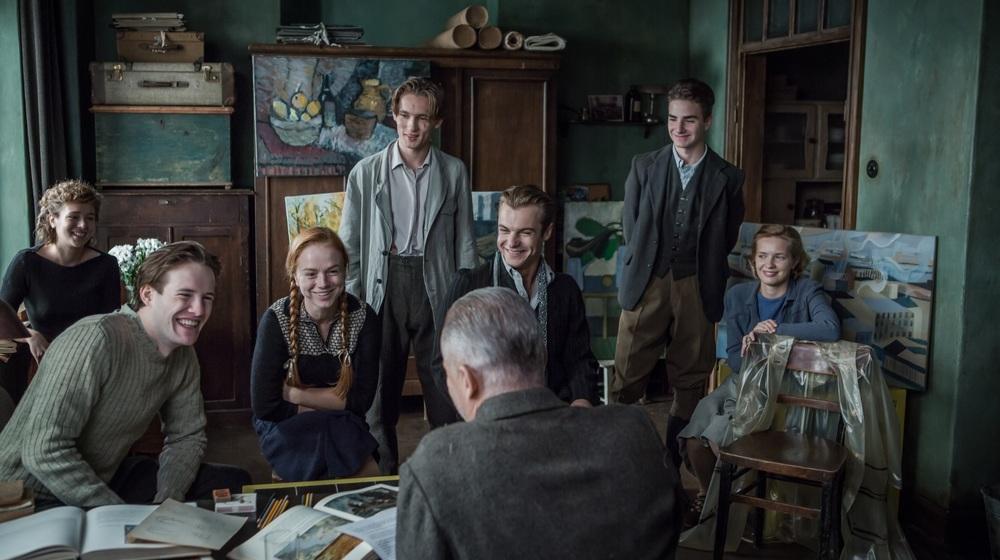 Afterimage: una scena di gruppo del film