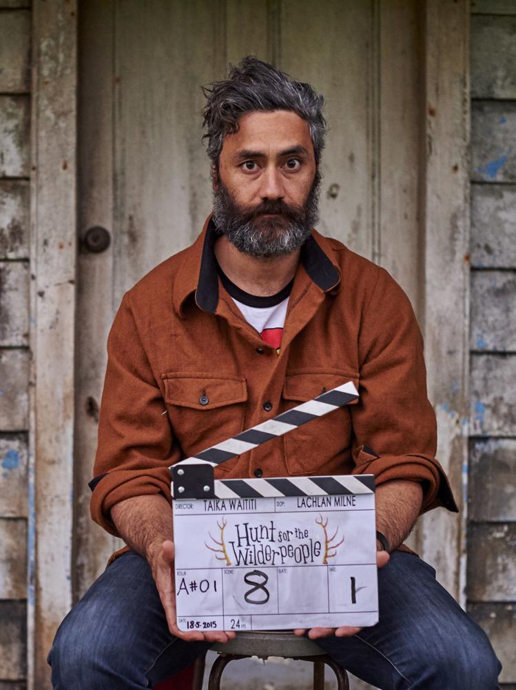Hunt for the Wilderpeople: il regista Taika Waititi in un'immagine promozionale