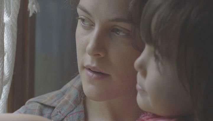 Lovesong: Riley Keough in una scena del film