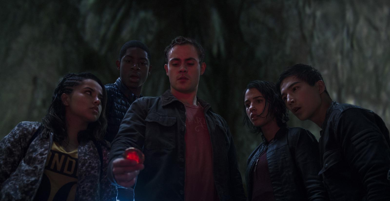 Power Rangers: un'immagine del cast
