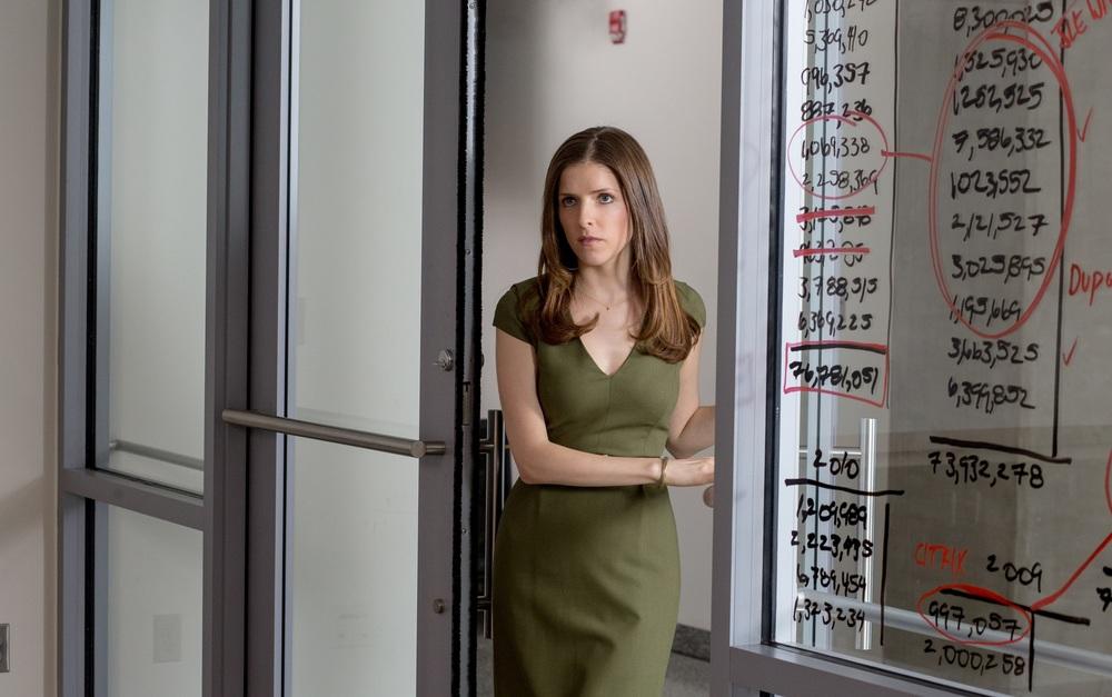 The Accountant: Anna Kendrick in una scena del film