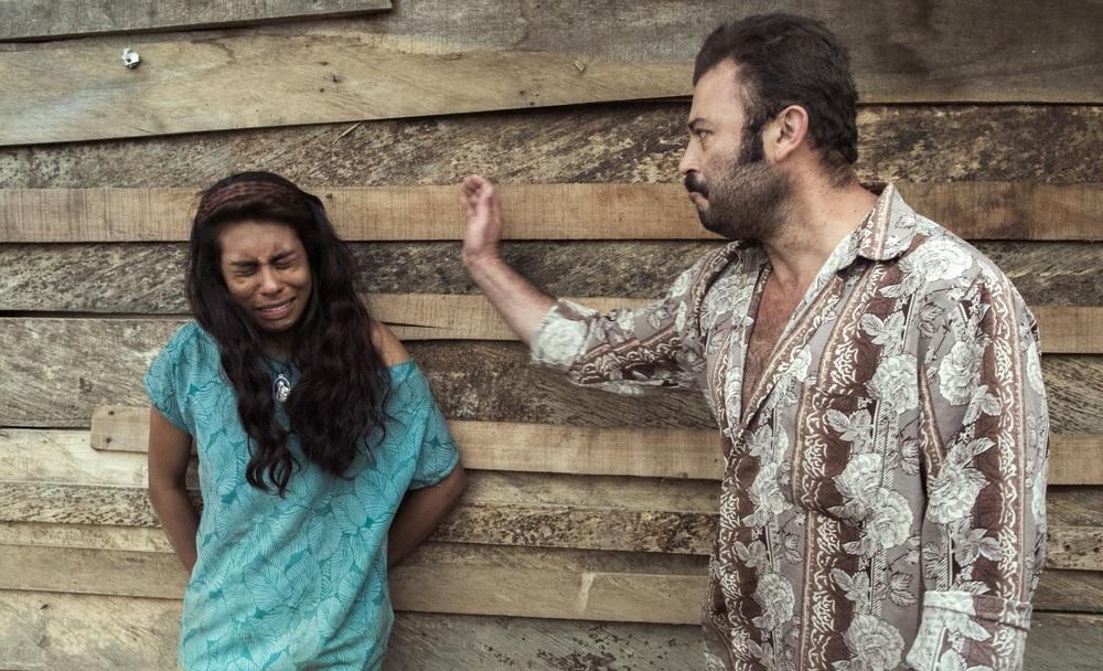 The Animal's Wife: Tito Alexander Gomez e Natalia Polo in una scena del film