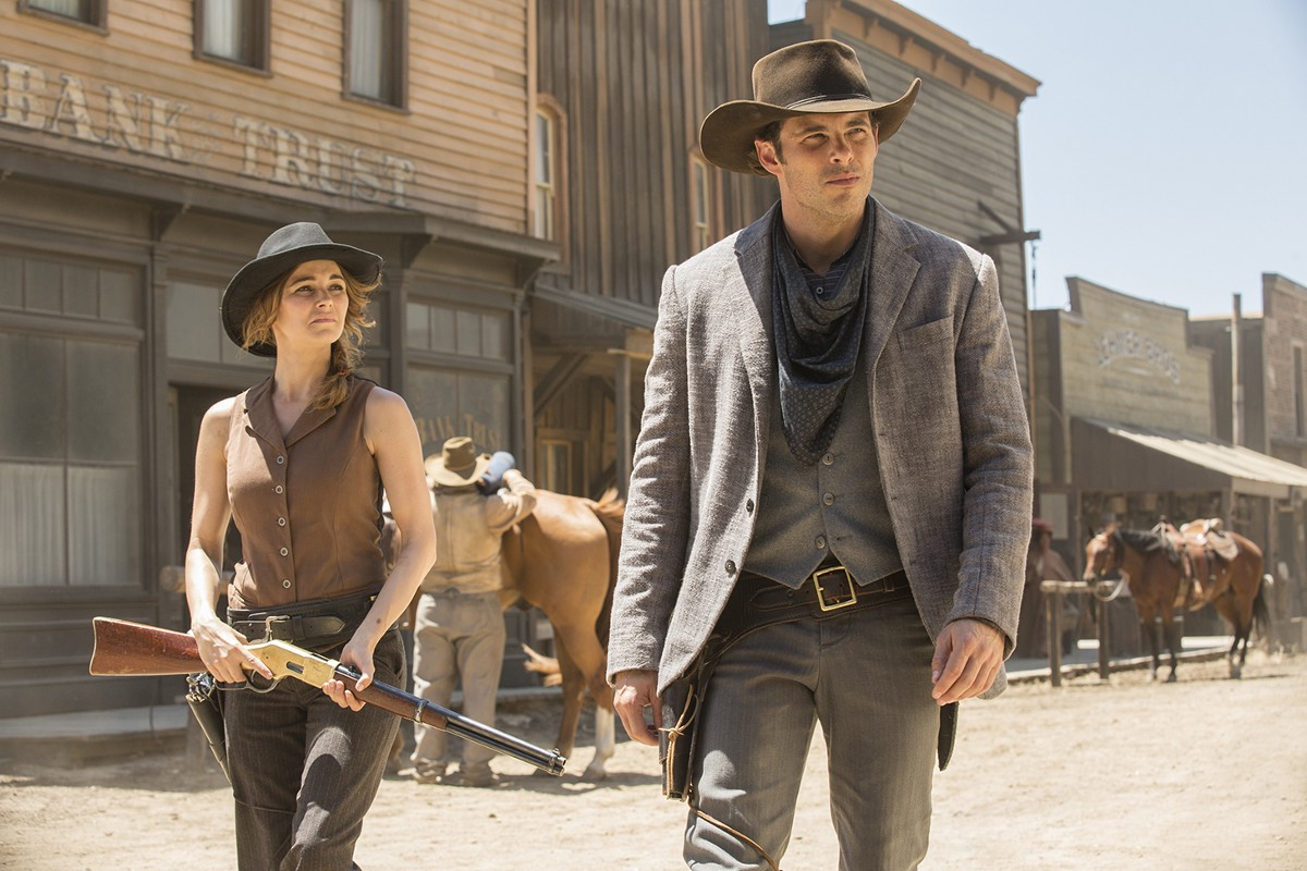 Westworld: James Marsden in una foto di The Stray