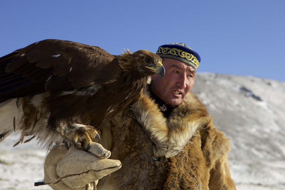 The Eagle Huntress: Nurgaiv Rys in una scena del documentario
