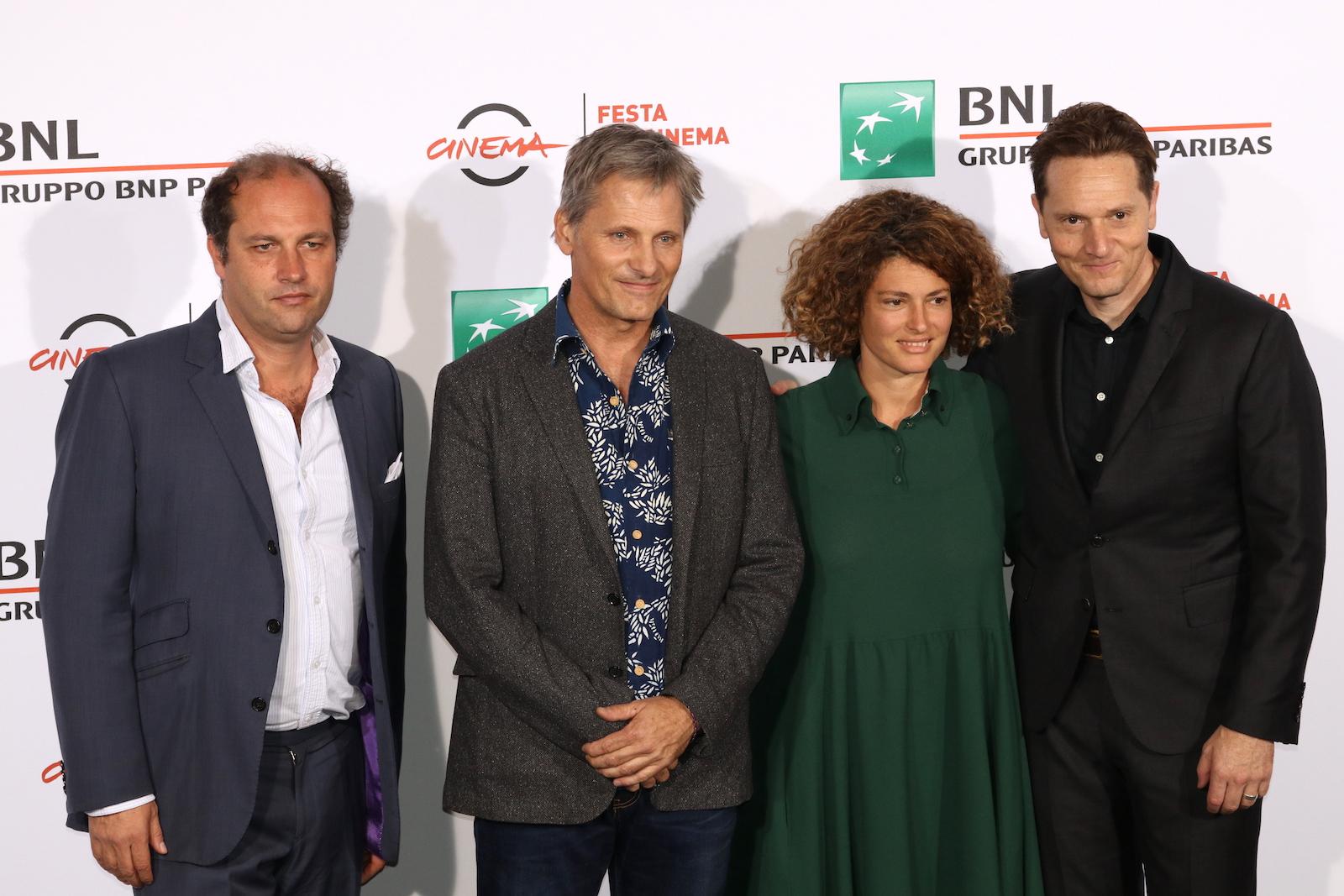 Roma 2016: Matt Ross, Viggo Mortensen e i produttori al photocall di Captain Fantastic