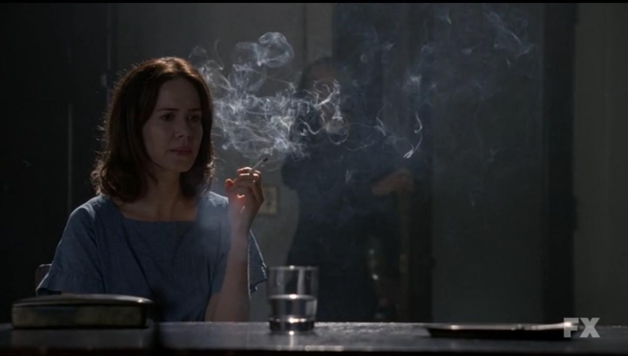 Sarah Paulson è Lana Winters in American Horror Story, Asylum (stag. 2)