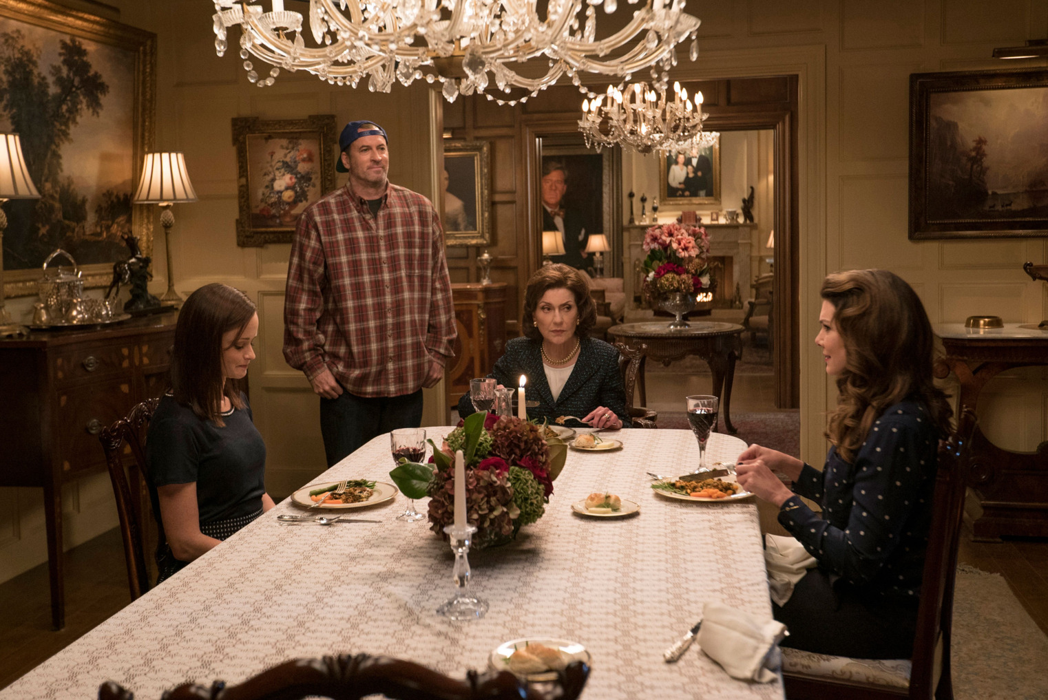Una mamma per amica: di nuovo insieme - Alexis Bledel, Scott Patterson, Kelly Bishop e Lauren Graham in una foto della serie